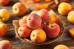 Персик Онтарио Вайс плоды