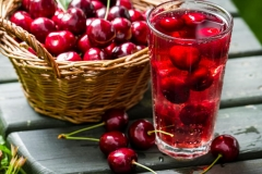 Компот с ягод вишни
